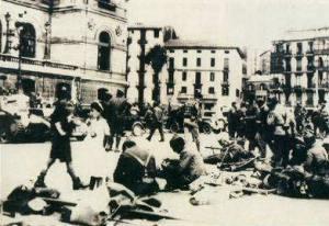 Soldados nacionales descansando después de entrrar en Bilbao (Fotografía tomada de http://centros1.pntic.mec.es/ies.maria.moliner3/guerra/norte.htm)